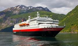 Лайнери в круїзах по Норвегії: флот Хюртигрюнтен
