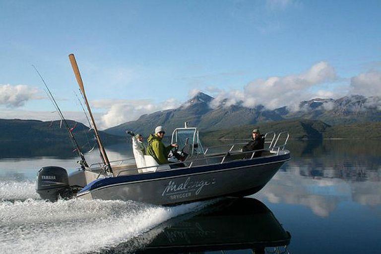 Рыбалка на фьорде Маланген (северная Норвегия)