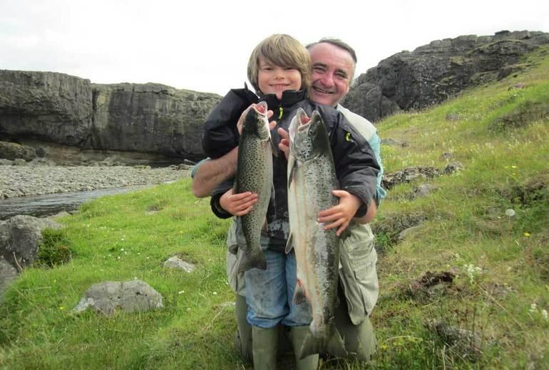 Рибалка на лосося. Ловля лосося на річках Ісландії