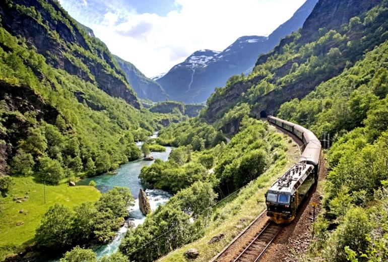 Тур по Скандинавії та фіордах Норвегії